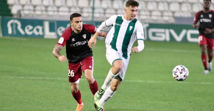 Alberto del Moral fue los pocos titulares que siguió e el once inicial ante el Albacete.