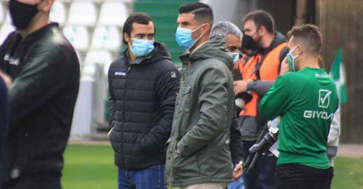 Miguel de las Cuevas y Willy en El Arcángel en los prolegómenos del último partido liguero ante El Ejido.