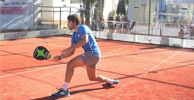 Javi Garrido entrenando esta semana en El Vial Pádel.