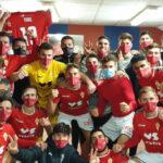Los jugadores pimentoneros, eufóricos tras ganar en Yecla. Foto: Real Murcia