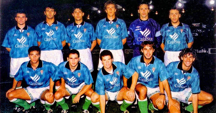 Una imagen de un once inicial del Córdoba de la temporada 1995-96, cuando llegó la primera victoria cordobesista a domicilio frente al Betis Deportivo. Foto: equiposdefutbol2.blogspot.com