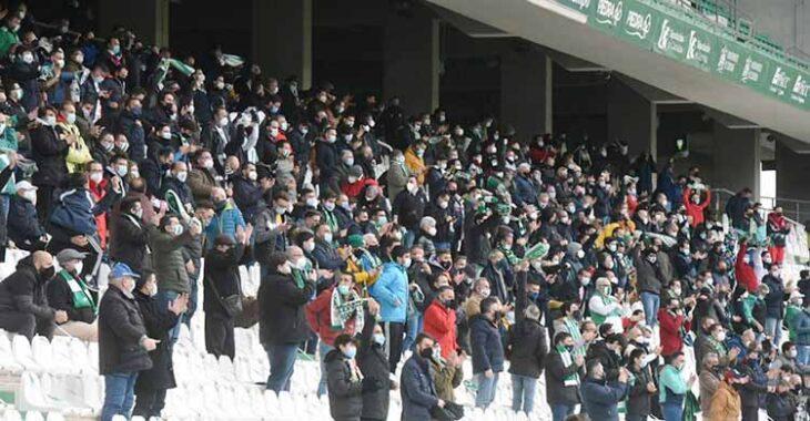 La imagen más normalizada de público en El Arcángel esta temporada, en el partido de Copa ante el Getafe con 2500 espectadores en total. Autor: Paco Jiménez
