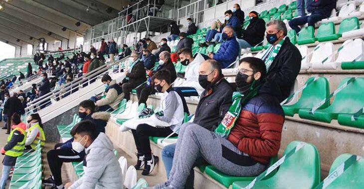 Los últimos cordobesistas que acudieron a El Arcángel en 2021 en el partido de Copa ante el Getafe.
