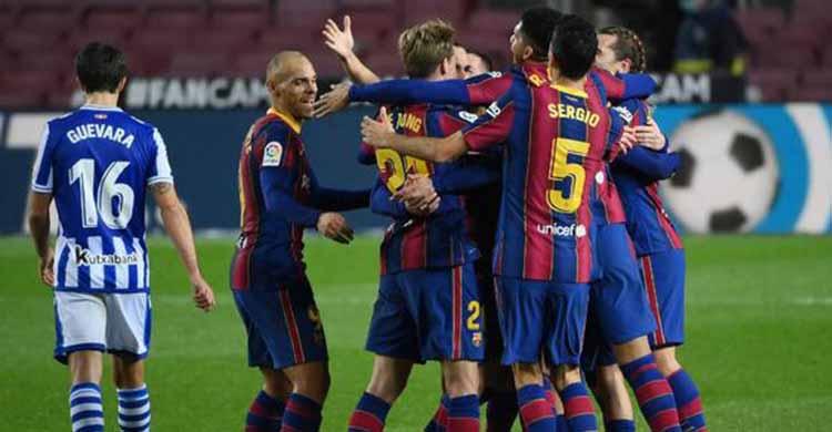 Los jugadores del Barça celebrando uno de los goles de la victoria ante la Real Sociedad en su partido de liga de diciembre.