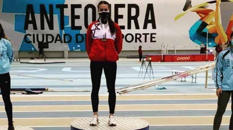 Carmen Avilés en lo más alto del podio Andaluz sub-.23 en Antequera.