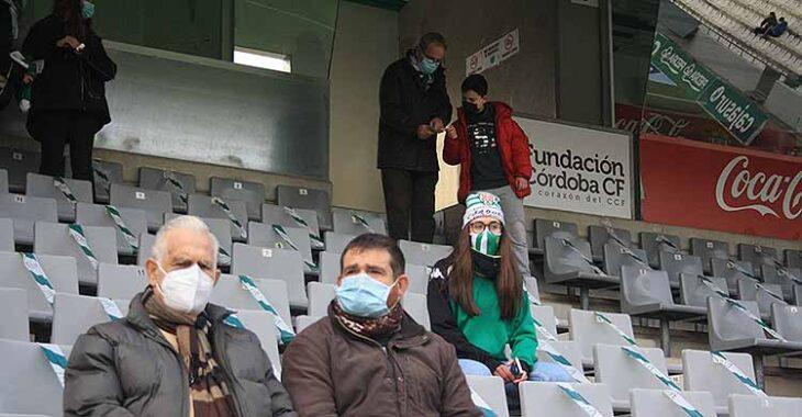 Varios cordobesistas en el último partido con público en El Arcángel ante el Getafe.