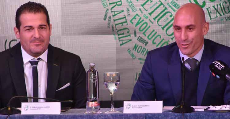 Pablo Lozano junto al presidente de la española Luis Rubiales.