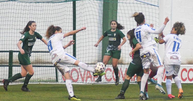 Un momento del derbi entre Pozoalbense y Córdoba Femenino con el que se cerró el 2020. Foto: Pozoalbense Femenino