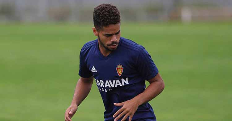 Rai Nascimento entrenando con el Zaragoza.