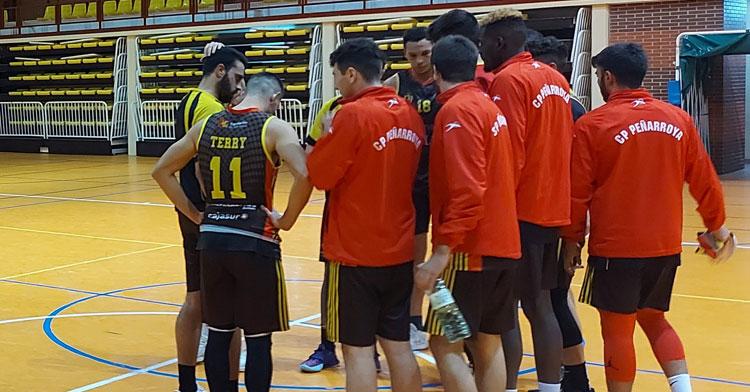 Los jugadores mineros no pudieron traerse el triunfo de Cáceres. Foto: CP Penarroya