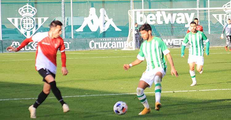 Carlos Valverde en el partido frente al Betis Deportivo