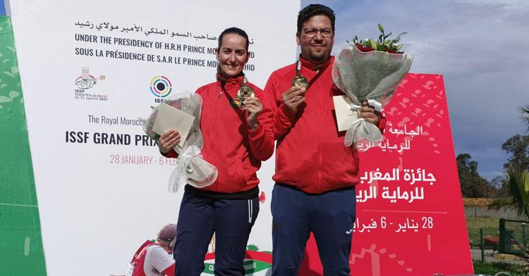 Fátima Gálvez y Alberto Fernández posando con su medalla de oro. Foto: @rfedeto