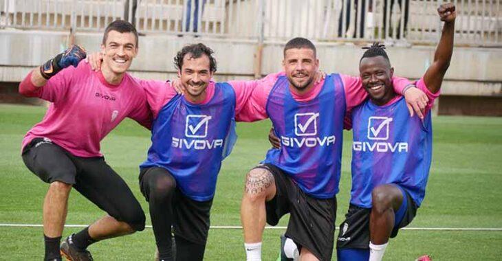 Edu Frías, Miguel de las Cuevas, Xavi Molina y Moussa Sidibé celebrando su triunfo.