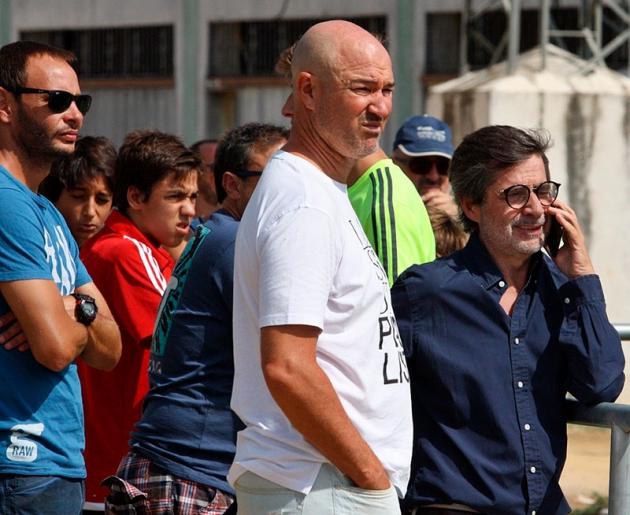 Carlos González en la Ciudad Deportiva junto a Rafa Berges.
