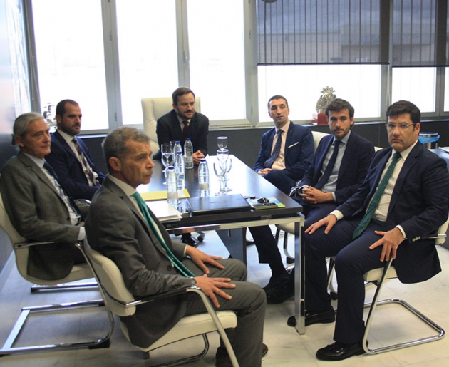 La reunión mantenida por Jesús León con Alejandro González, su consejo de administración y los abogados de Azaveco.