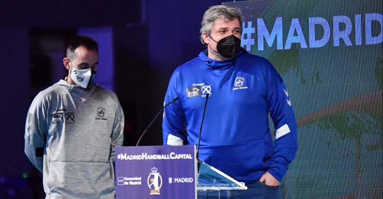 Paco Bustos y José Cuenca este jueves durante el sorteo de la Copa del Rey en Madrid.Paco Bustos y José Cuenca este jueves durante el sorteo de la Copa del Rey en Madrid.