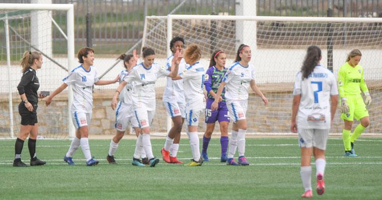 Las jugadoras del Pozoalbense celebran uno de sus tantos ante el Málaga. Foto: CD Pozoalbense Femenino