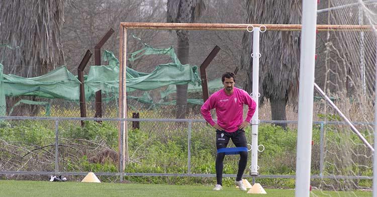 Miguel de las Cuevas trabajando su musculatura en la Ciudad Deportiva. Miguel de las Cuevas trabajando su musculatura en la Ciudad Deportiva.