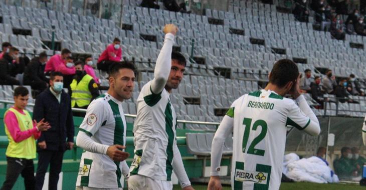 Willy puño en alto tras su primer gol ante el Real Murcia.