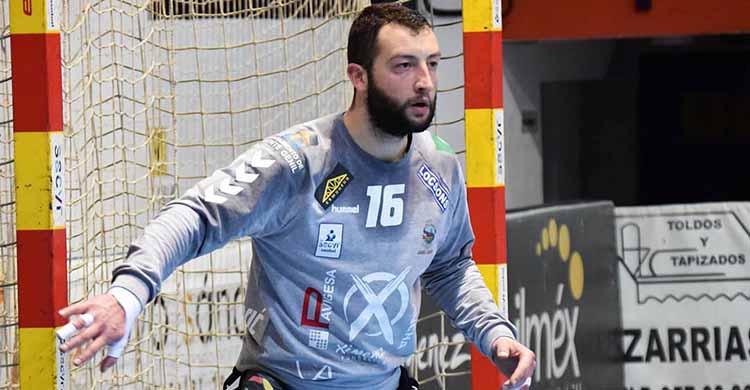El bosnio Adi defendiendo la portería del Ángel Ximénez.