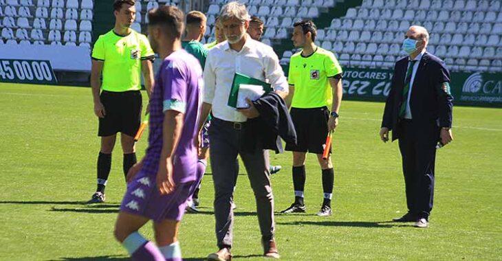Ido. Pablo Alfaro a la conclusión del partido con el Betis.