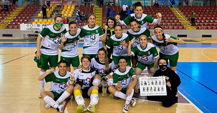 Las jugadoras del Deportivo Cajasur Córdoba celebran la victoria ante el Torreblanca Melilla B (2-1)