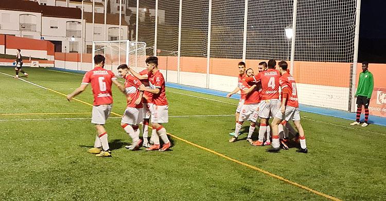 Los jugadores rojillos celebrando su gol. Foto: Atlético Espeleño