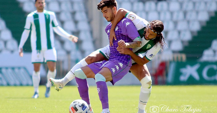 Mario Ortiz en el partido contra el Betis Deportivo. Foto: Charo Tobajas / CCF