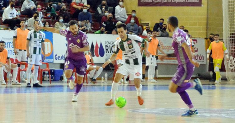 Pablo del Moral en el partido de ida ante Palma Futsal. Autor: Javier Olivar