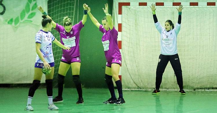 El trabajo defensivo será importante en Lasesarre. Foto: Fran Pérez / Balonmano Adesal