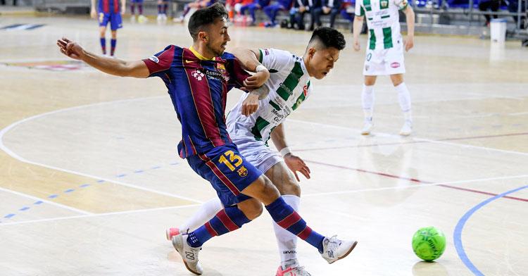 Shimizu en pelea con Joselito. Foto: FCB Fútbol Sala