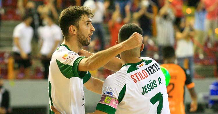 Zequi y Jesús Rodríguez celebrando un gol