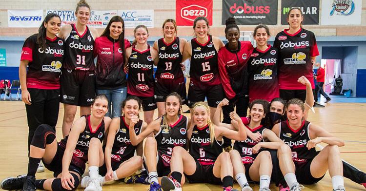 La alegría del Dobuss Córdoba Básket tras tumbar al GMASB