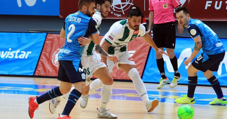 Jesús Rodríguez en un lance del duelo frente al Movistar Inter. Foto: Córdoba Futsal