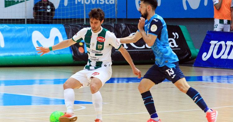 Pablo del Moral en un lance del duelo en Torrejón contra el Movistar Inter. Foto: Córdoba Futsal