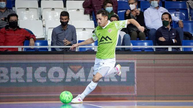 Rafa López en un pasaje de un partido con el Palma Futsal