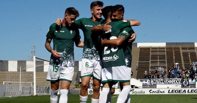 Una de las cinco celebraciones de goles del Córdoba en la primera parte de ayer domingo. Foto: CCF