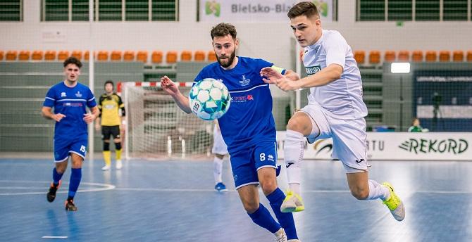Álex Viana en un partido en Polonia. Foto: BTS Rekord Bielsko-Biała