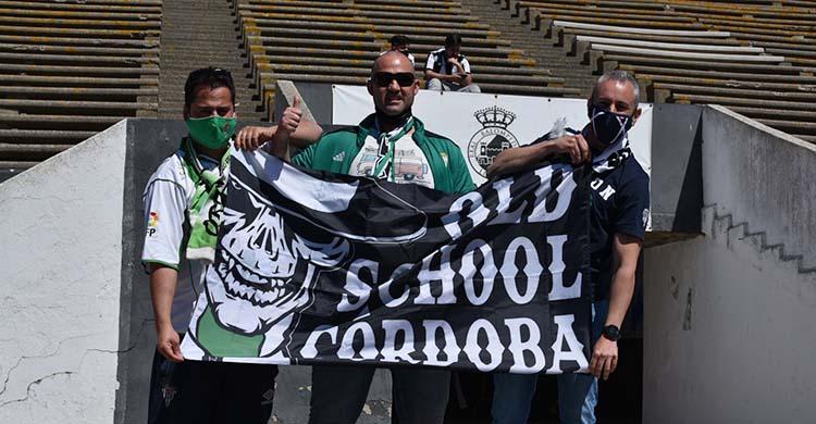 Los tres cordobesistas que viajaron a La Línea para ver el único partido de la temporada como visitantes.