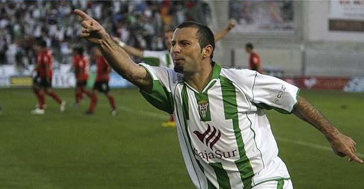 Javi Moreno celebrando uno de sus últimos goles con el Córdoba en 2007.