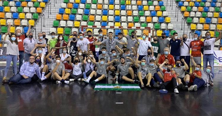 La alegría de los juveniles granates en el mítico Quijote Arena. Foto: CBM