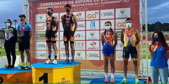 El representante del Montilla-Córdoba Triatlón en el tercer escalón del podio