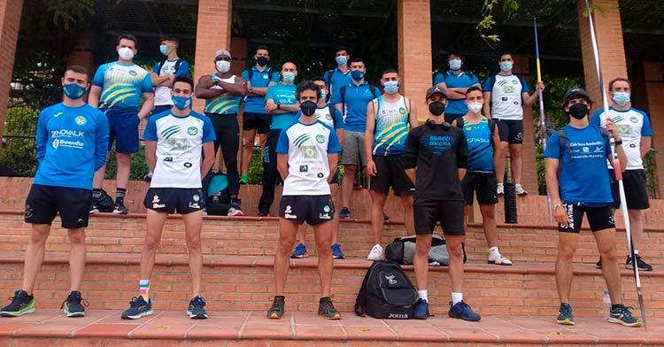 El grupo del Surco Lucena posando en formación