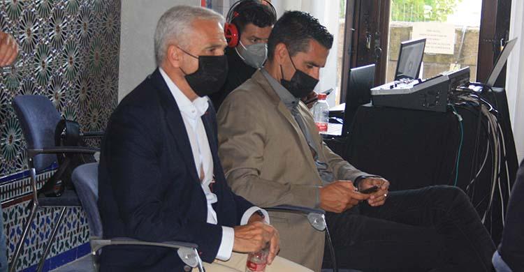 Miguel Valenzuela reapareció en público junto a Juanito en la conferencia sobre Olimpismo.