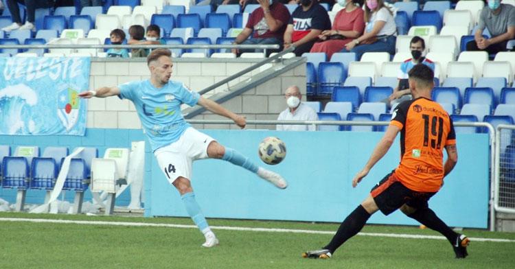 Víctor Morillo en la derrota frente al Xerez Deportivo (0-1).