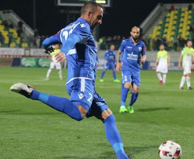 Alberto Aguilar jugando en Chipre con el Anorthosis.