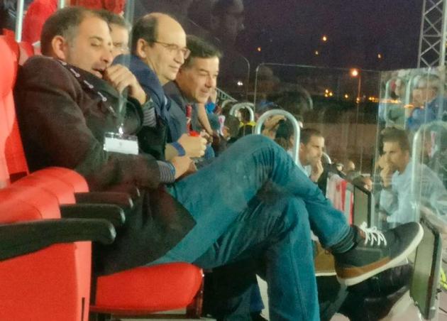 Candido, junto a Pepe Castro, en el palco del estadio Jesús Navas presenciando el partido ante el filial sevillista.