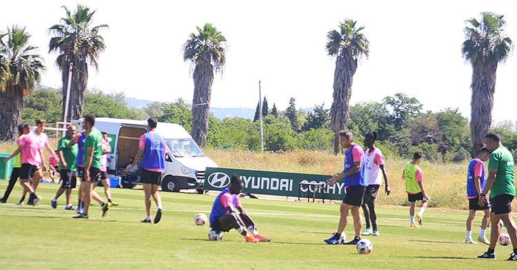 Panorámica de la Ciudad Deportiva durante uno de los últimos entrenamientos del primer equipo del Córdoba.