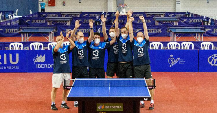 Los jugadores del Cajasur con su octava Copa del Rey. Foto: RFETM