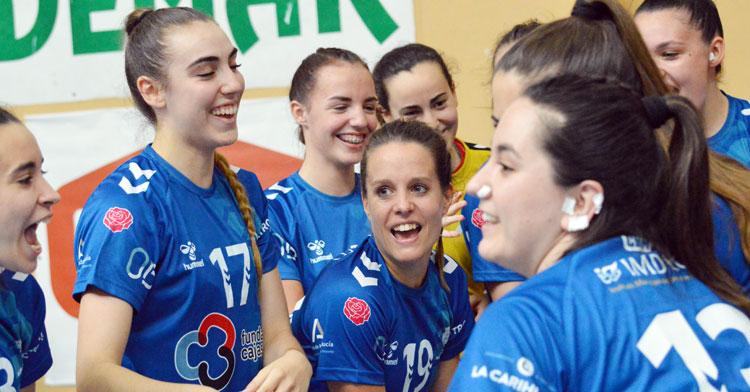 Las jugadoras del Deza Córdoba de Balonmano ya llevan dos victorias en la fase. Foto: CBM